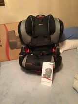 Britax Pinnacle Clicktight Car Seat in Bartlett, Illinois