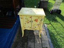 Antique Table in Glendale Heights, Illinois