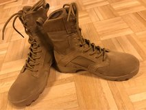 NEW Coyote tan Army boots lightweight in Wiesbaden, GE