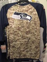 Seattle Seahawks (NIKE) Salute to Service 3/4 Sleeve Mens Large T-Shirt - Camo/Navy (NEW) in Tacoma, Washington