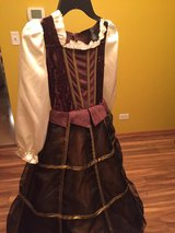 Halloween costume Medieval Times Lady sz 5-7 years old in Naperville, Illinois