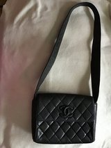 CHANEL Authentic Shoulder Bag in Tomball, Texas