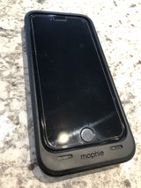Iphone 6 with Mophie battery case AT&T in Fort Leonard Wood, Missouri