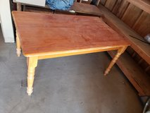 Kitchen table(good condition)(priced to sell) in 29 Palms, California