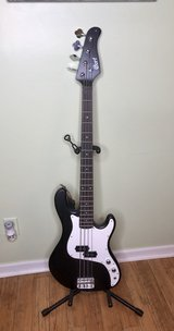 Cort GB PB50 Electric Bass 4 String in Macon, Georgia