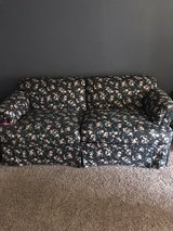 Flower Couch in Glendale Heights, Illinois