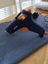 Glue Gun in Lakenheath, UK