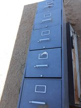 5 drawer filing cabinet in 29 Palms, California