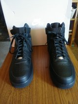 Men's Size 13 Nike Air Force 1 in Bolingbrook, Illinois