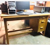 Desk/Table in Travis AFB, California