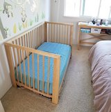 Convertible crib/ toddler bed in Miramar, California