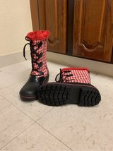 Brand new snow/winter boots, Size 4 for girls, Size 6 for women in Okinawa, Japan