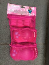 Girls Pink NEW/UNUSED Elbow/Knee/Wrist Safely Pads - RAZOR Brand in Naperville, Illinois