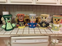 hand painted clay pot characters in Leesville, Louisiana