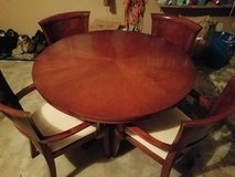 Dining table/chairs in Joliet, Illinois