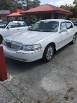 2005 LINCOLN TOWN CAR SIGNATURE LIMITED in Fort Benning, Georgia