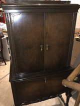 REDUCED 1920's Kolster Radio/Music Cabinet w Model Badge in Sandwich, Illinois