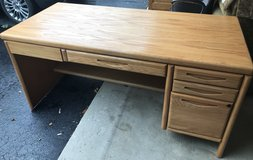 3-PIECE OAK OFFICE DESK SET in Joliet, Illinois