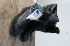 10 1/2 to 11 size feet ok new boots made in the USA in Okinawa, Japan