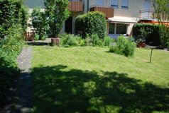 Family home with garden 8 min to Panzer in Stuttgart, GE