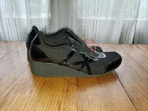 Size 7 DNKY Ladies Teens Pull On Black Tennis Shoes in Westmont, Illinois