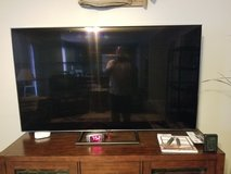 Samsung Qled tv in Fort Campbell, Kentucky