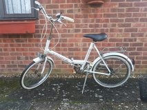 Vintage universal folding bike in Lakenheath, UK