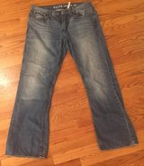 Men's 36/32 Guess Jeans in St. Charles, Illinois