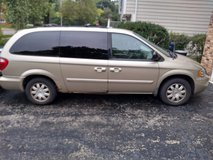 2006 chrysler town and country in Westmont, Illinois