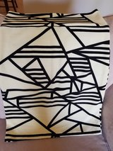 LuLaRoe Black/Cream Cassie Size L in Great Lakes, Illinois