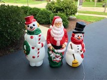 Christmas lawn decor, snow molds in Bolingbrook, Illinois