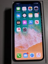Apple iPhone XS Max - 256GB - Silver (Unlocked) in Fort Campbell, Kentucky