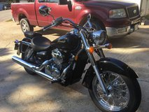 2006 VT750C Honda Shadow AERO with only 865 miles included w/ saddle bag in Fort Leonard Wood, Missouri