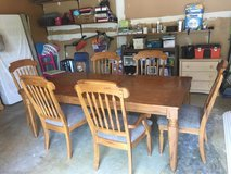 dinning room table for sale in Quantico, Virginia