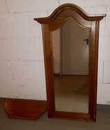 Large Solid wood mirror and matching shelf in Wiesbaden, GE