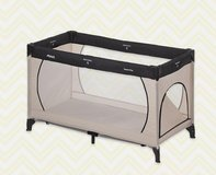 Hauck portable travel crib in Wiesbaden, GE