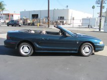 1995 FORD MUSTANG CONVERTIBLE in Camp Pendleton, California