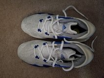 Adidas Boys size 5 in Fort Campbell, Kentucky