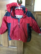Columbia wind breaker jacket 3t in Westmont, Illinois