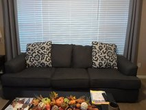 Ashley furniture couch with reversible back pillows , 1 yr old great condition in Joliet, Illinois