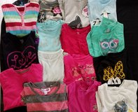 Shirts/long sleeve shirts in Glendale Heights, Illinois