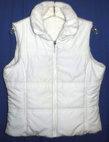 SALE PENDING - White Reversible Sleeveless Puffer Vest - by Waterproof Garment Co. ~Sz: Medium in Chicago, Illinois