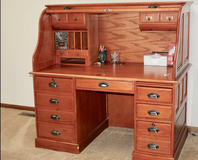 Multiple pieces of furniture for sale - Moving Sale in Bartlett, Illinois