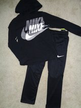 New w/Tags Nike Sweatshirt and Sweatpants sz.Med. in Camp Lejeune, North Carolina