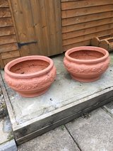 2 Large plastic planters in Lakenheath, UK