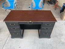 solid wood desk in Alamogordo, New Mexico