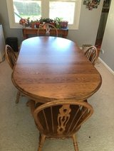 Dining table set in Bolingbrook, Illinois