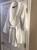 Tommy Hilfiger women's robe in Bolingbrook, Illinois