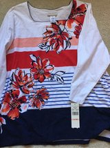 New w/ tags Woman's shirt sz 2X in Westmont, Illinois
