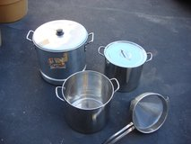 $10 STOCK POTS in St. Charles, Illinois